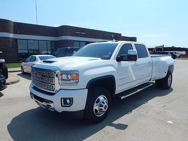 Pre-Owned 2018 GMC Sierra 3500HD DENALI! ONE TON! NAVI! SUNROOF! REMOTE START! CLEAN CARFAX AND ONE OWNER! BLUETOOTH! HEATED AND COOLED SEATS!
