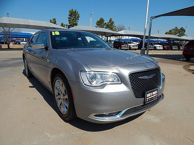 Certified Pre-Owned 2018 Chrysler 300 Limited AWD