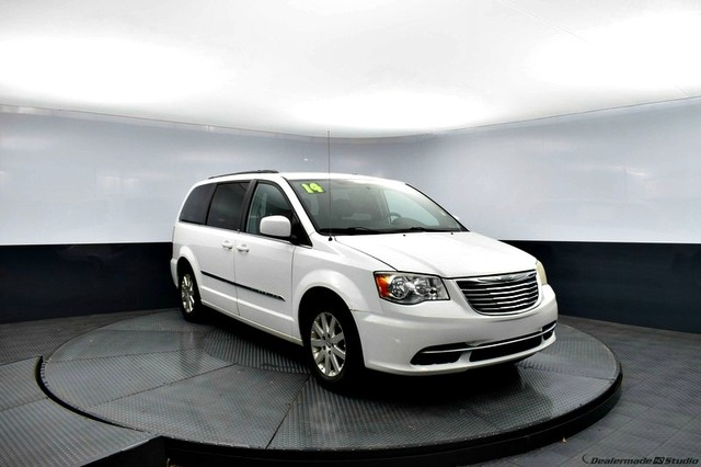 Pre-Owned 2014 Chrysler Town & Country Touring | | BOB HOWARD DODGE 405-936-8900